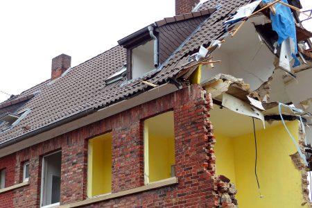 Rozbiórka budynku - niezbędne formalności przed rozpoczęciem prac